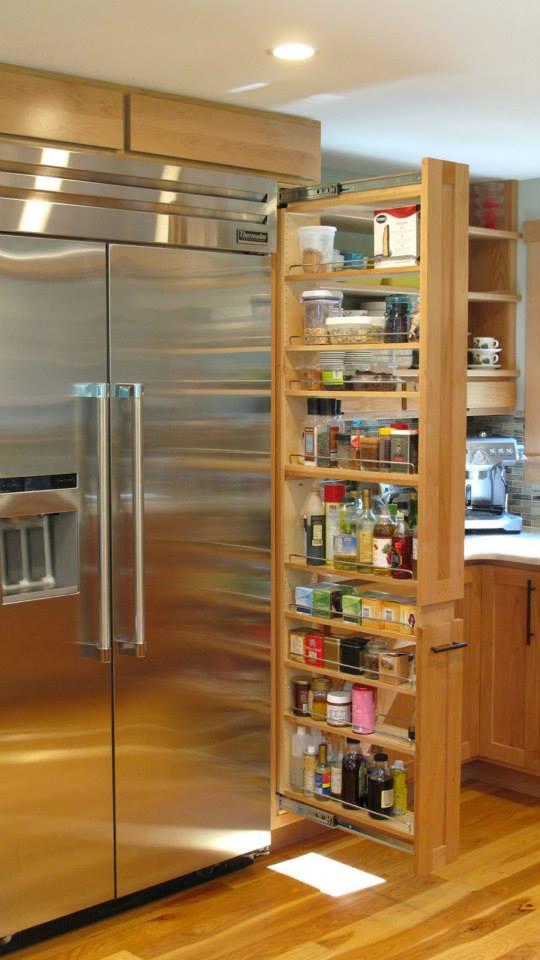 Skinny PullOut Spice Rack